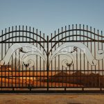 Nowoczesne ogrodzenia kute bramy przesuwne